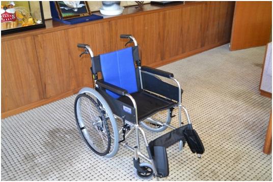 車椅子寄付2
